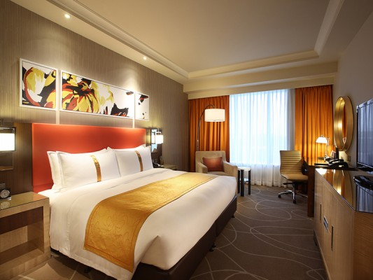 King Superior Room at Holiday Inn Macao, Cotai Central