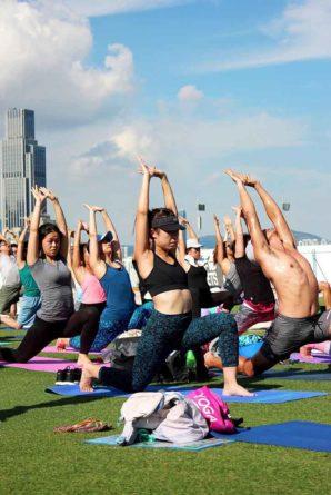 摩天輪下享 瑜伽 平靜身心靈